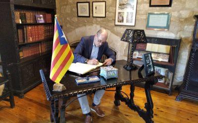 Joan Oliveras, a la seu de la Fundació